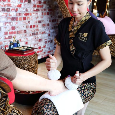 Reflexology Foot Massage by Bangkok Spa Thai Massage